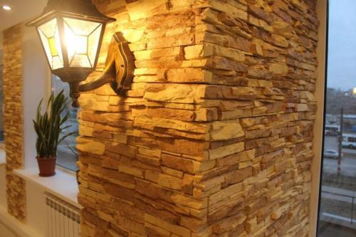 Как сделать имитацию камня своими руками. Как сделать своими руками из подручных средств имитацию на стене под натуральный камень из пенопласта, гипса или яичных лотков: формы, отделка, техники