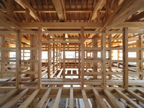Крепление балок перекрытия в брусовом доме. Перекрытия досками 200 на 50 и другие ходовые размеры