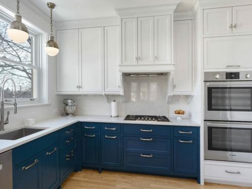 Шкафы до потолка на кухне. Кухня под потолок: 5 самых частых вопросов