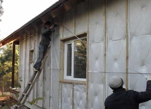 Способы утепления брусовых домов. Методика наружного утепления
