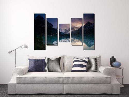Как расположить картины на стене над диваном. 5 ошибок размещения картин на стенах