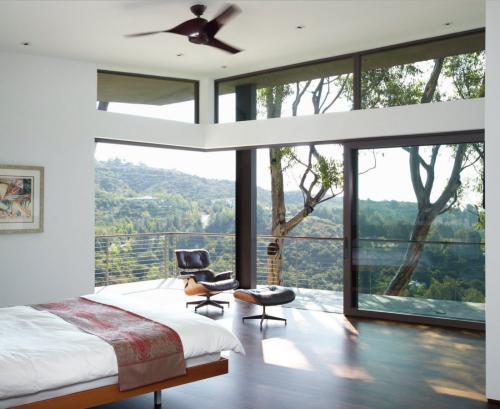 Дизайн гостиной с панорамными окнами. Нюансы интерьера с панорамными окнами