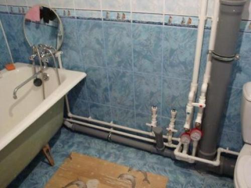 Фартук из плитки для ванной. Зачем нужно закрывать ванну?