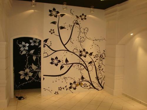 Рисунки на стену в комнату. Художественная настенная роспись «от руки»