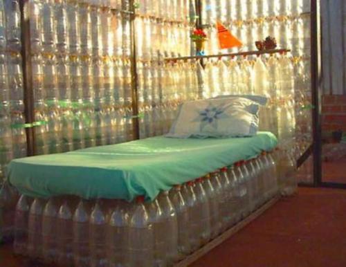 Что можно сделать из пластиковых бутылок для двора. Мебель из подручных материалов: утилизируем пластиковые бутылки