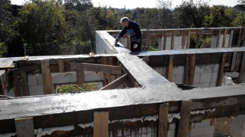 Надстроить второй этаж деревянного дома. Особенности надстройки мансарды