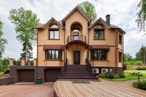 Дома цвета фасадов. Цвета фасадов – выбор цветовых решений и правила гармоничного сочетания с дизайном дома