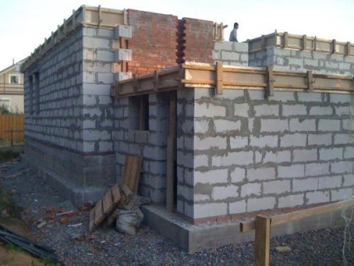 Чем лучше отделать дом из пеноблоков снаружи. Фасад сооружений
